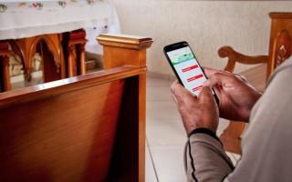 ao-usar-o-celular-na-igreja-e-preciso-coerencia