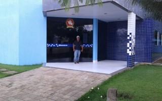 ex-servidor-que-trabalhou-sem-receber-protocola-denuncia-no-ministerio-publico-contra-prefeito-de-costa-marques