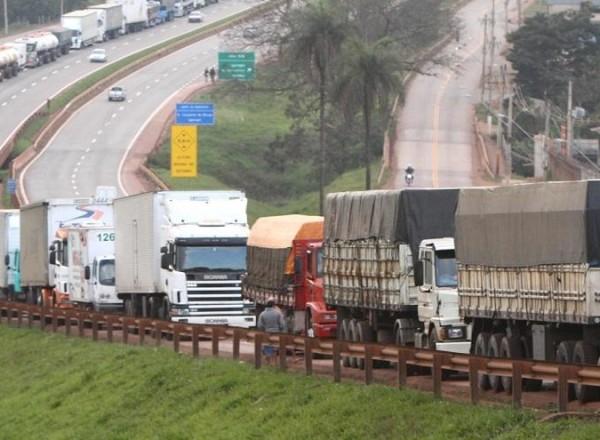 Nova paralisação dos caminhoneiros está prevista para o dia 30